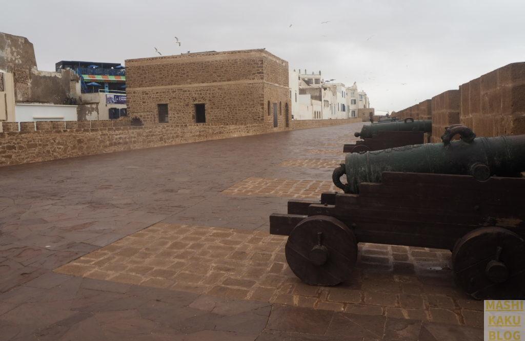 エッサウィラ 大砲と砦