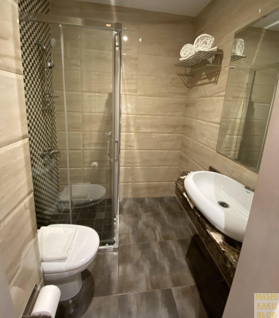 トイレ&シャワー